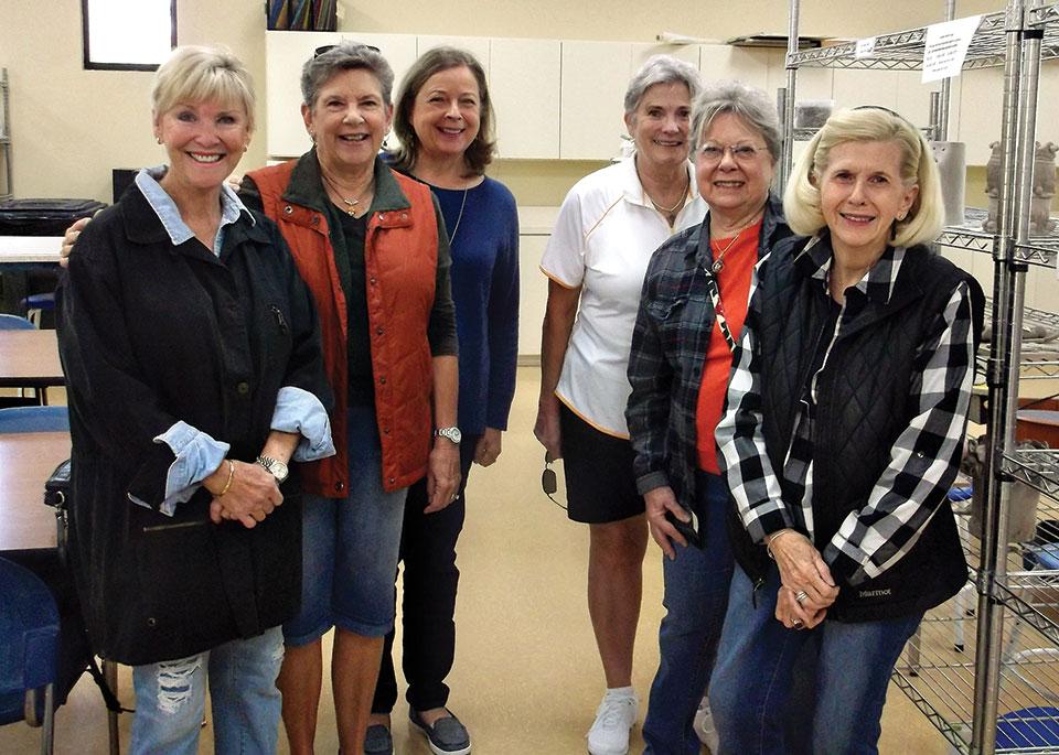 Field trip, left to right: Nancie Garre, Jackie Graham, Tracy Olson, Barb Bennet, Carolyn Detjen, Pat Bender